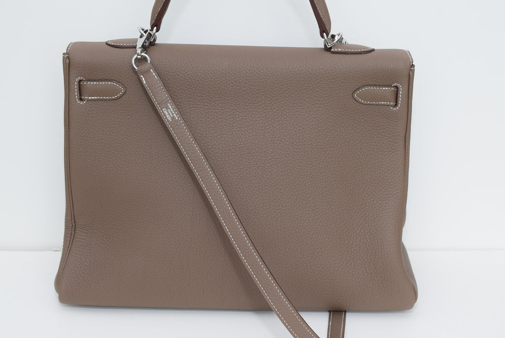HERMÈS Like New!! Fabulous Kelly 35cm Clemence Leather In With Palladium Hardware. Taupe Satchel