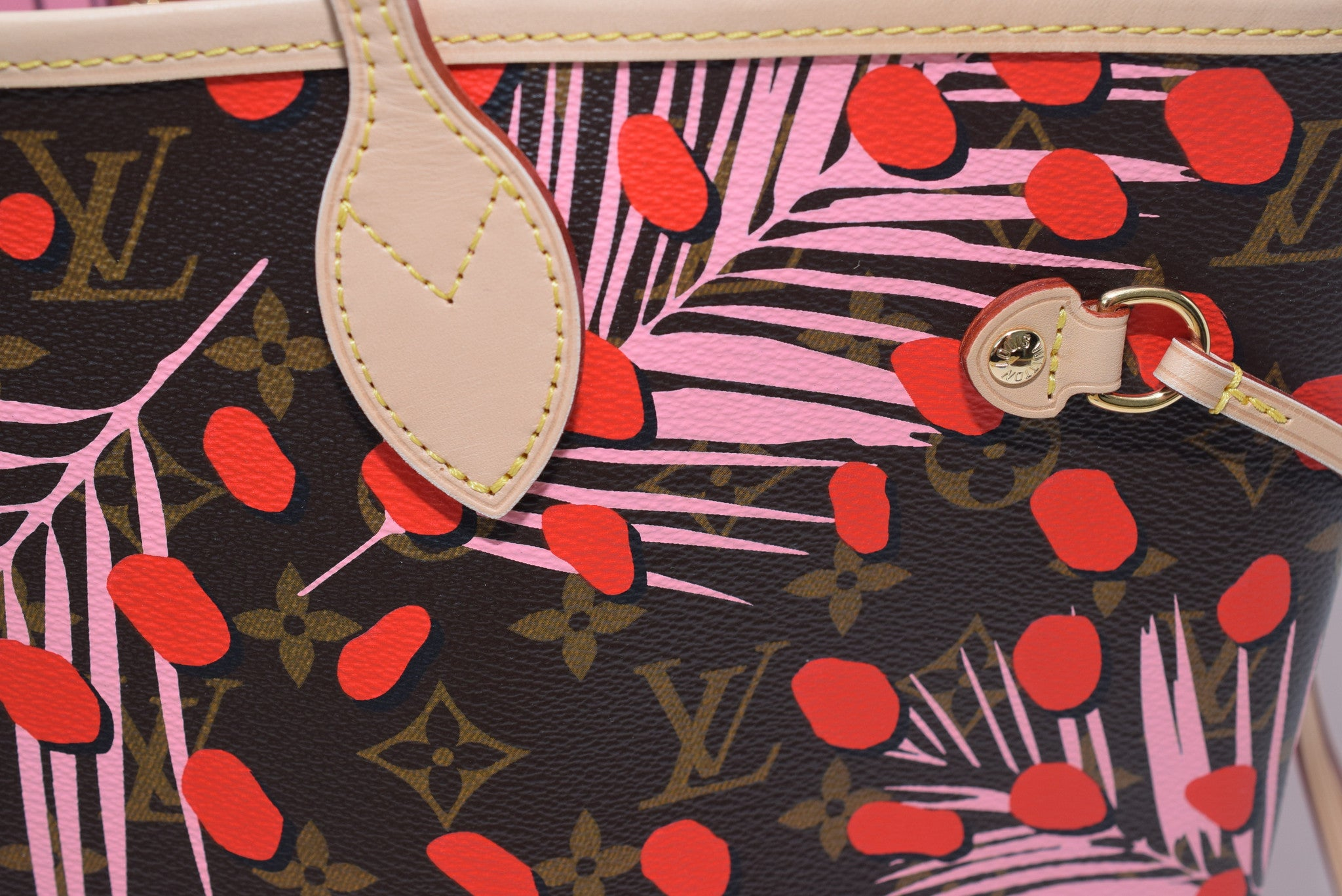 4c5169f7341 LOUIS VUITTON Brand New 2016! Neverfull Mm In Limited Edition Tropical  Journey Collection For Summer 2016 M41979 Shoulder Bag