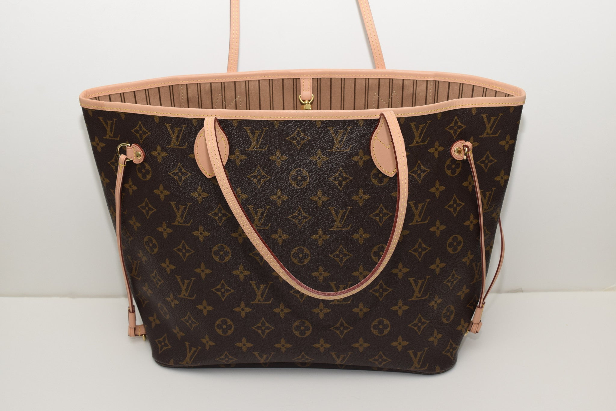 LOUIS VUITTON Brand New!!! Never Worn Neverfull Mm In Lining - Date Co -  Timeless Gallery 0258e5da3960e