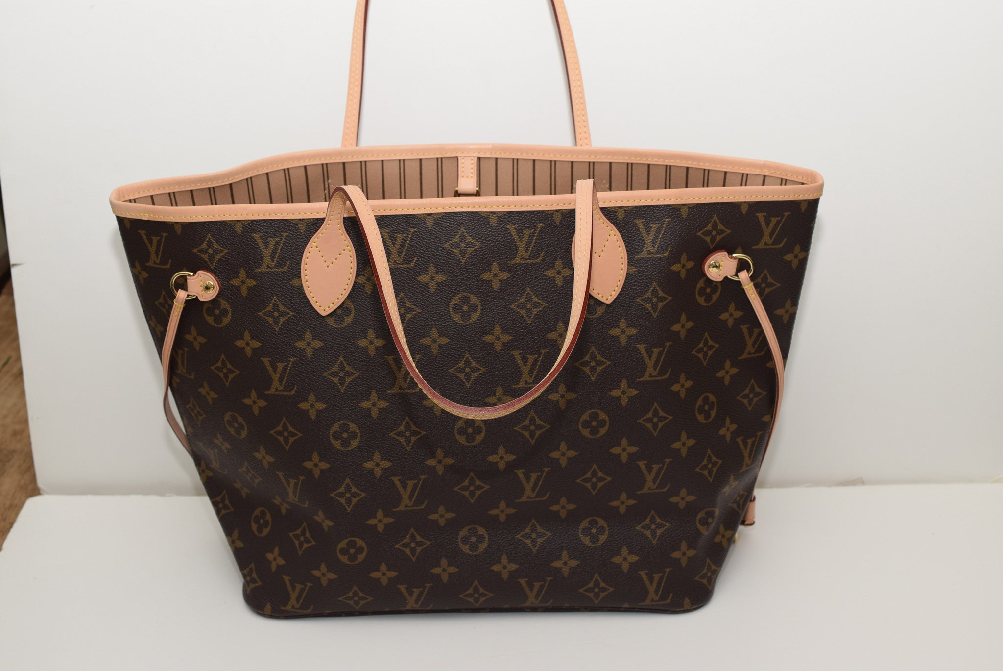 ac0a98871af6 Write a review. Name. Email. Rating. Review Title. Body of Review (1500). LOUIS  VUITTON Brand New!!! Never Worn Neverfull Mm In Lining - Date Code ...