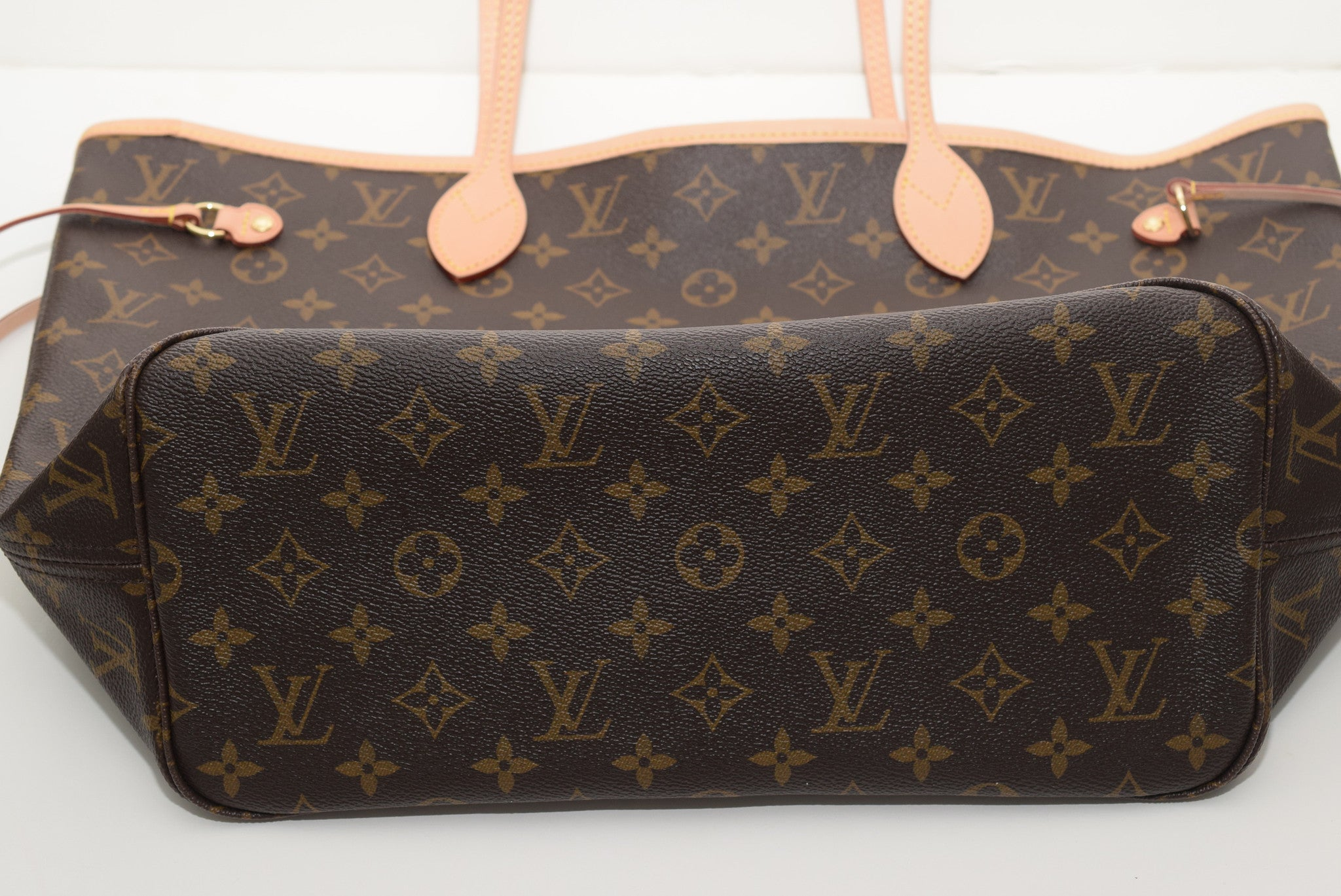 bb2b8607c6f7 ... LOUIS VUITTON Brand New!!! Never Worn Neverfull Mm In Lining - Date Code