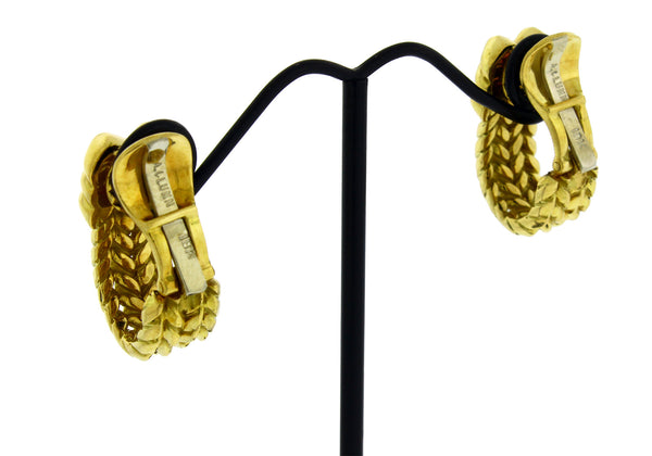 Andrew Clunn clip on earrings in 18k yellow gold in very good condition