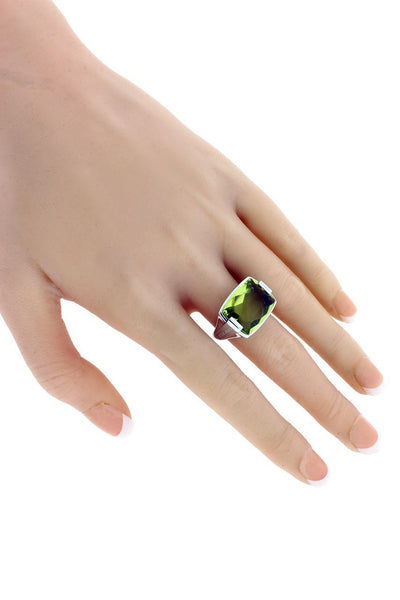 Bvlgari peridot ring in 18 karat white gold size 5.75