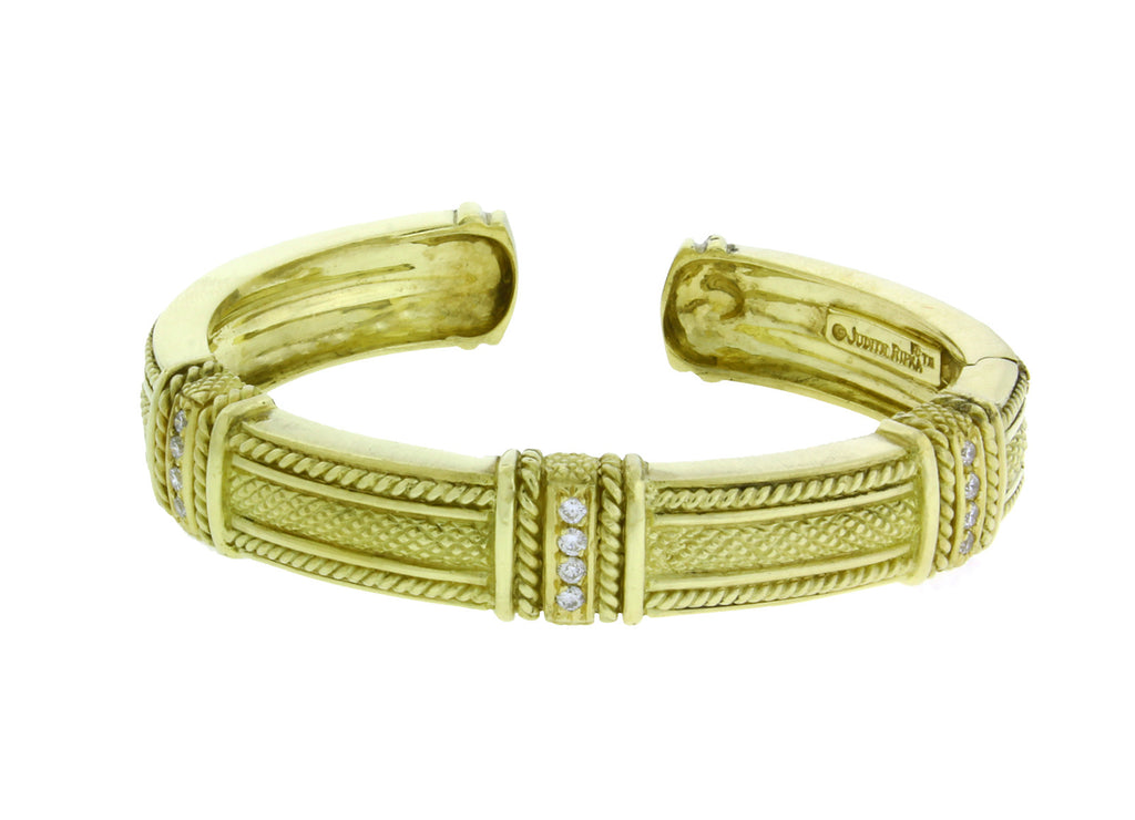 Judith Ripka heavy Diamond hinged bangle in 18K yellow gold Size small