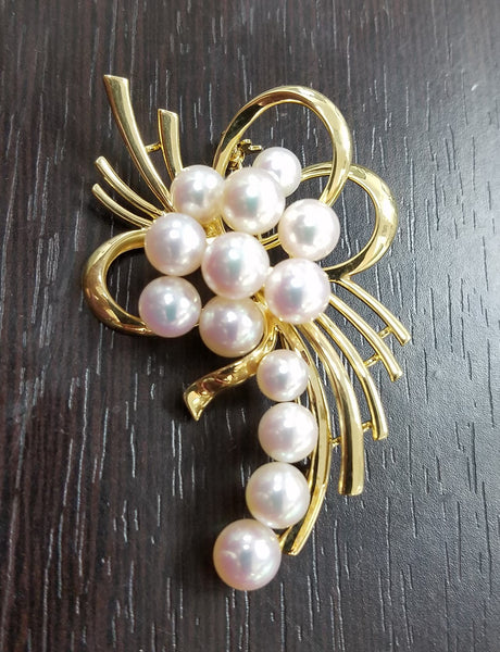 Mikimoto cultured Akoya pink tone pearl brooch / pin In 18k yellow gold