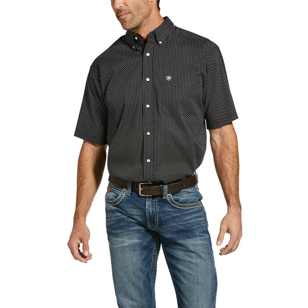 Ariat® Men's Black Casual Series Short Sleeve Button Shirt 10033124