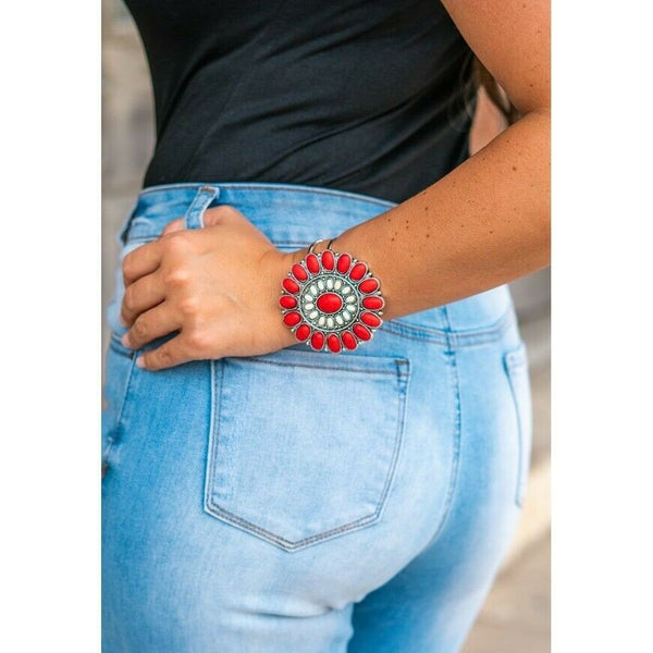 L&B Ladies Red & White Flower Concho Hinged Bracelet MB-A0334-RWH
