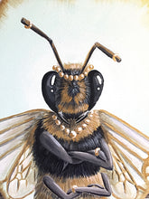 Load image into Gallery viewer, Queen Bee