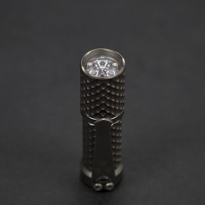 Flashlight - Pre-Owned: Hanko Trident Total Tesseract - Titanium