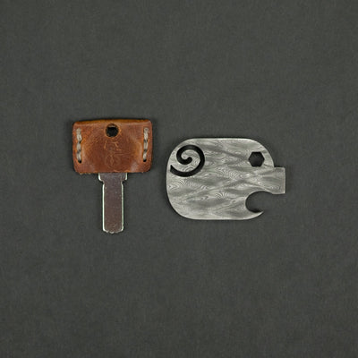 Keychains & Multi-Tools - Pre-Owned: The Hate Project Pig - Damascus (Custom)