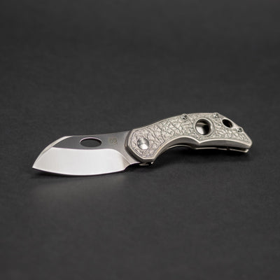 Knife - Olamic Busker - Largo Satin / Light Blast Basaltic (Exclusive)