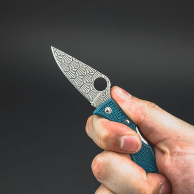 Knife - Spyderco Ladybug With Seigaiha Motif - K390 (Exclusive)