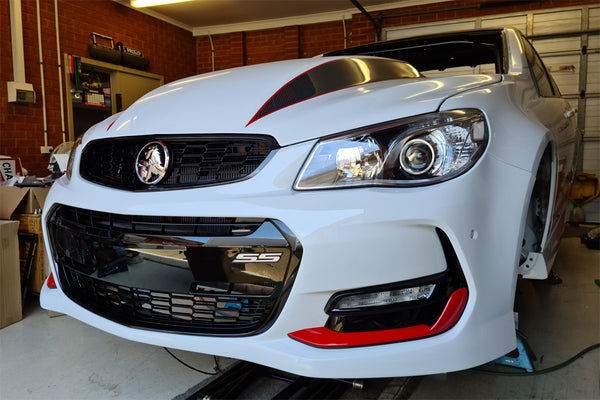 A Maverick Man Carbon Cowl Hood Quik Latch Install on a 7 sec Commodore Build!