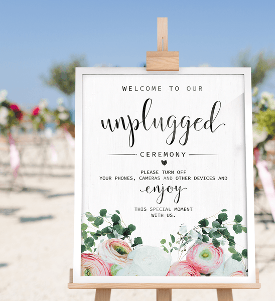 Outdoor beach wedding with the Unplugged Ceremony Bouquet print