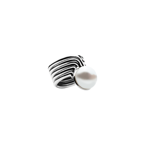Supersonic Pearl Ring