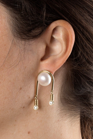 Somnia Pearl Earrings