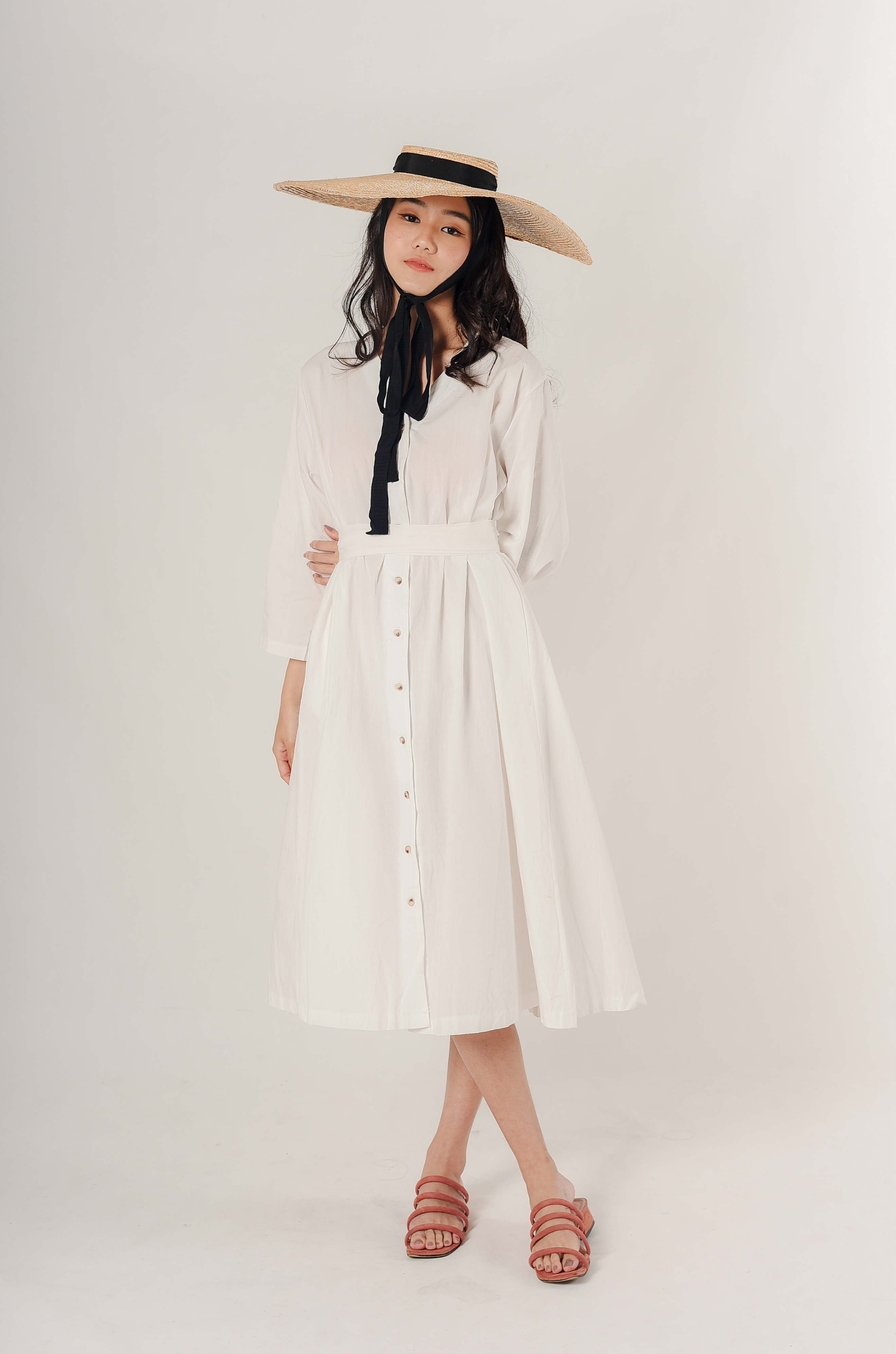 Tina Buttoned Dress - White