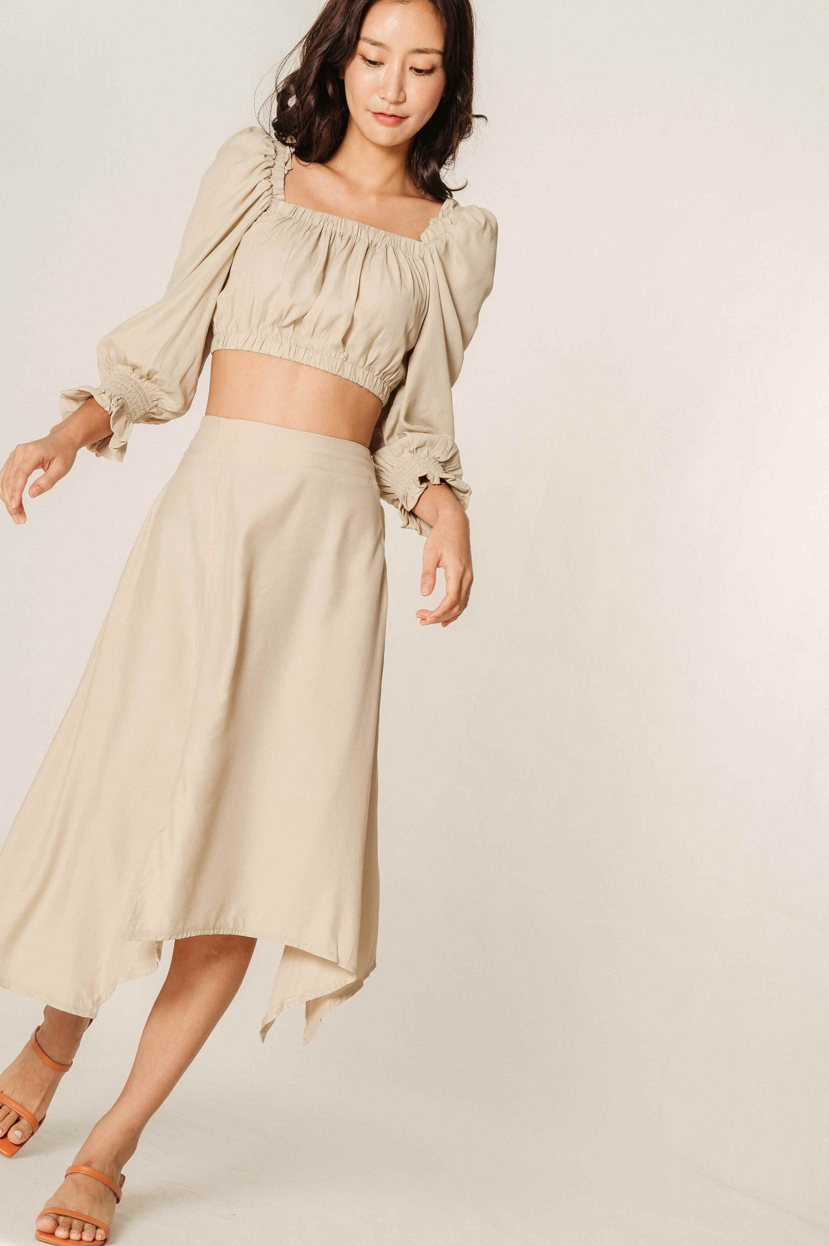 Terrie Puff Sleeves Cropped Top