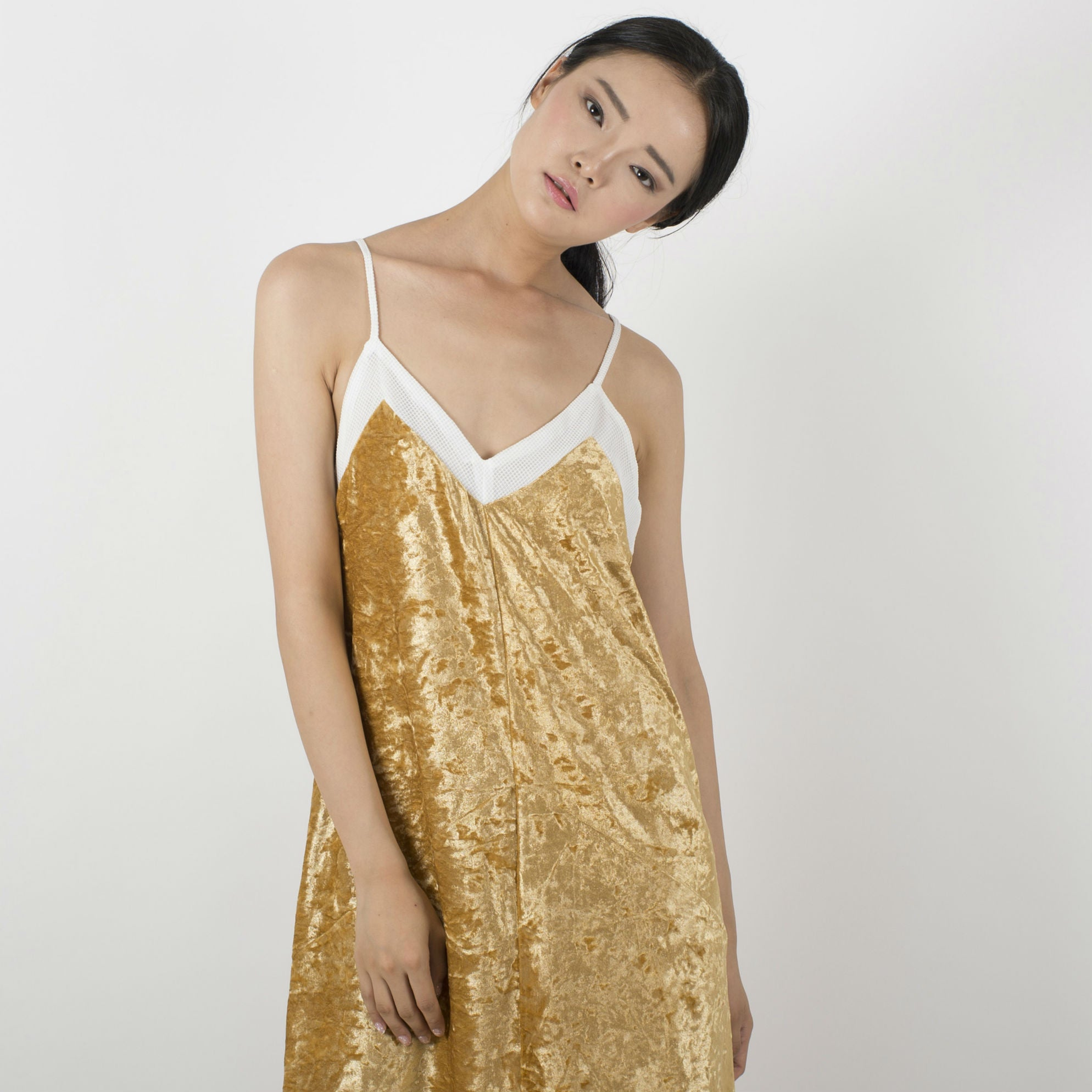 Lisa Velvet Dress - Gold