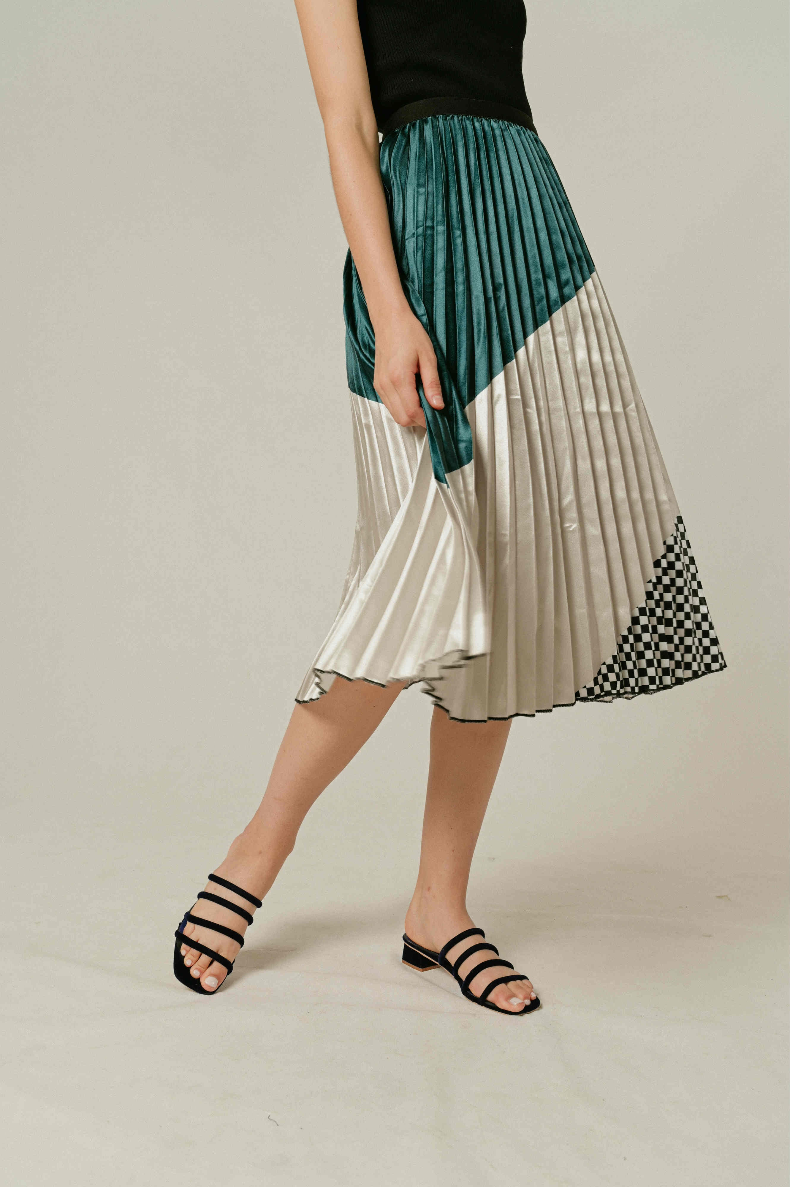 Uena Pleated Print Skirt