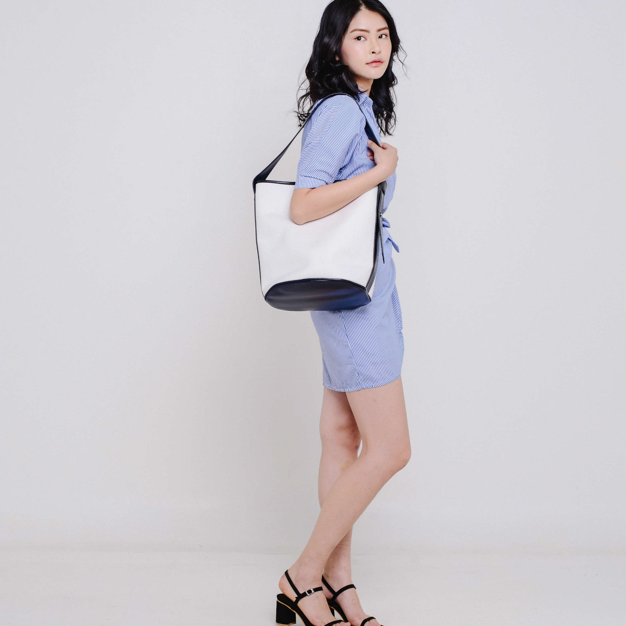 Kari Canvas Bucket Bag