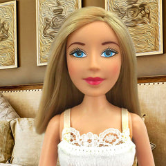 Fair-Blue Eyes-Blond-Medium-Straight Hair