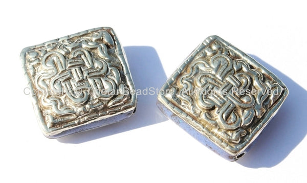 2 beads - Tibetan Repousse Tibetan Silver Endless Knot Square Focal Beads with Lapis Inlays - Infinity Knot - B1703