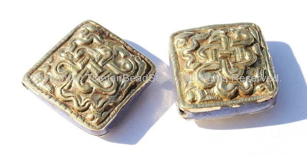 Tibetan Repousse Brass Endless Knot Square Focal Beads with Lapis Inlays- 1 Bead - Infinity Knot - B1691-1