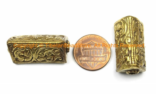 1 BEAD - Repousse Carved Brass Triangle Box-Shaped Tibetan Bead with Floral Details - Ethnic Nepal Tibetan Metal Focal Beads - B3140-1