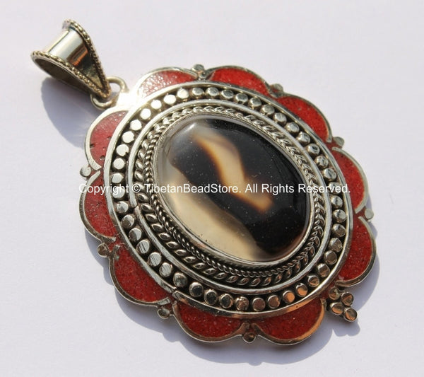 Tibetan Floral Design Pendant with Onyx Center Stone & Coral Inlays - Handmade Tibetan Nepalese Jewelry - WM4435