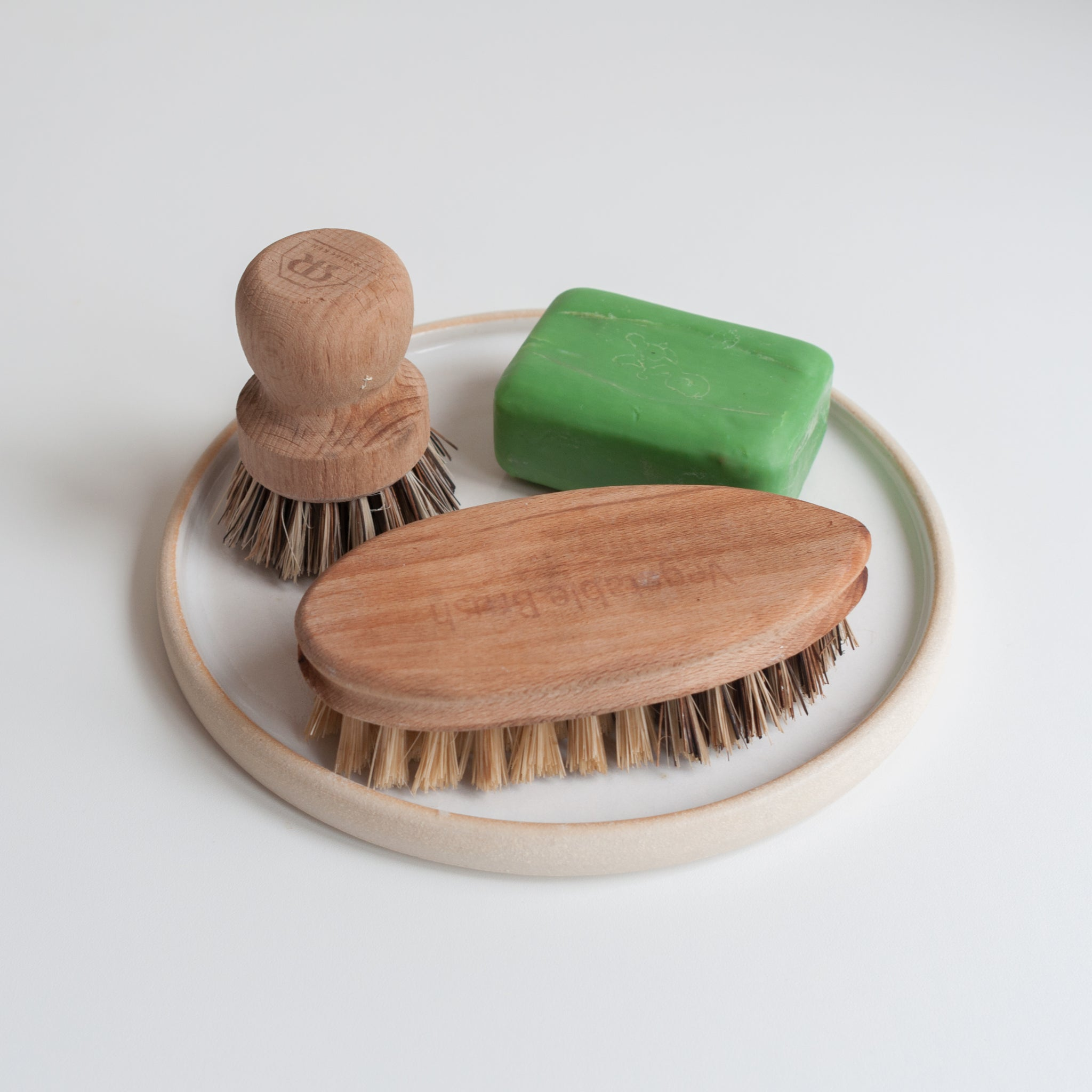 Dor & Tan Brush Holder (Strata Plate)
