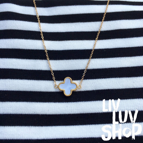 ella clover necklace