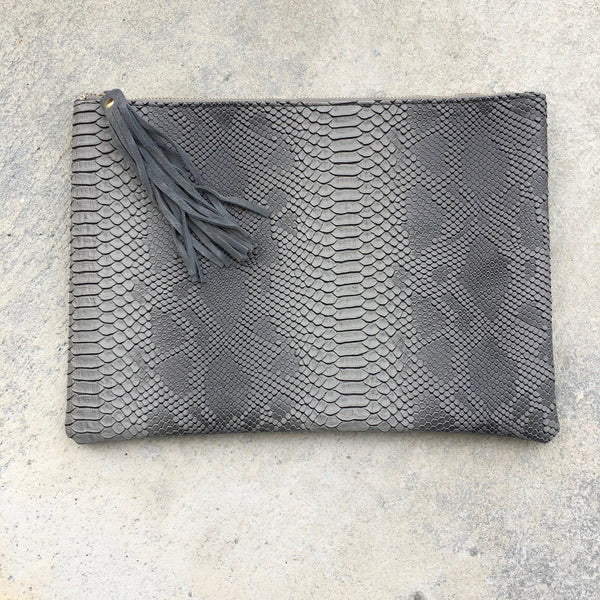 gigi envelope clutch