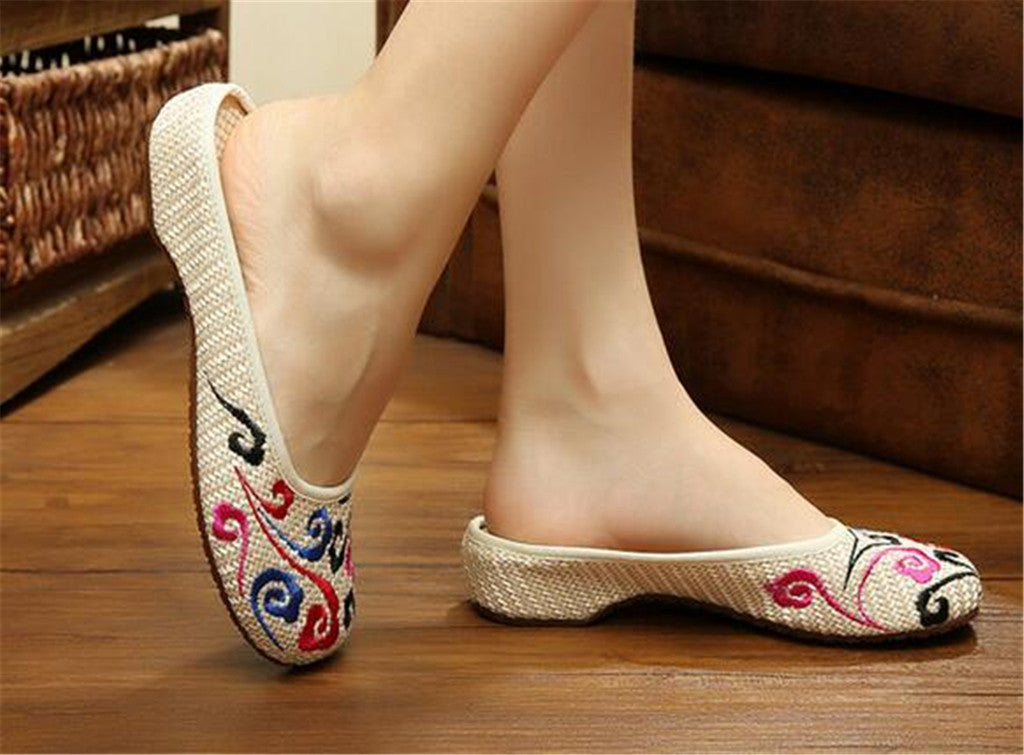 Chinese Shoes for Women in Knitted Beige Ventilated Cloth & Floral Patterns - Mega Save Wholesale & Retail - 4