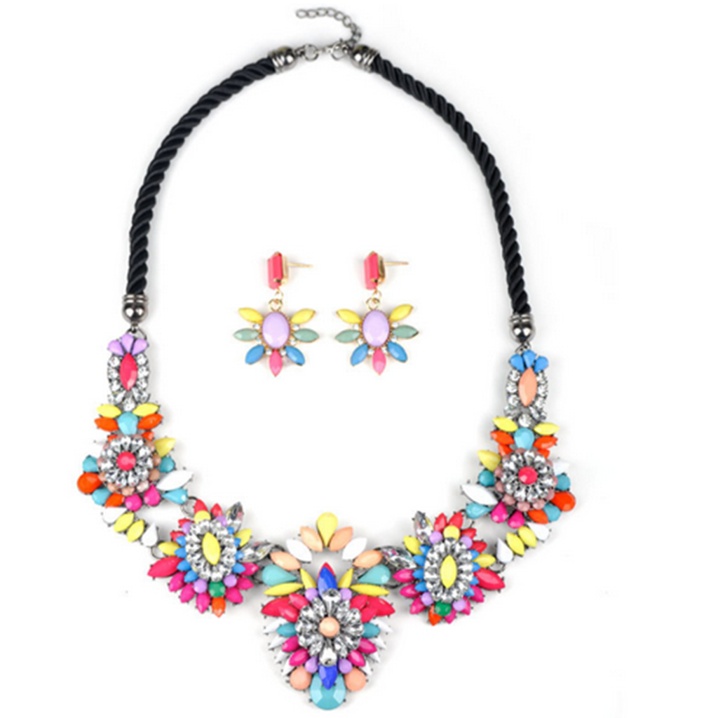 European Vintage Flower Fashionable Necklace European Exaggerated Necklace - Mega Save Wholesale & Retail