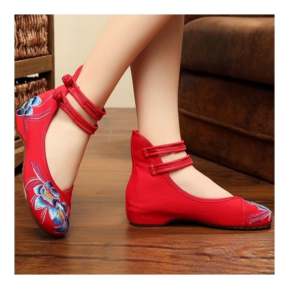 Old Beijing Cloth Embroidered Shoes Square Dancing   red