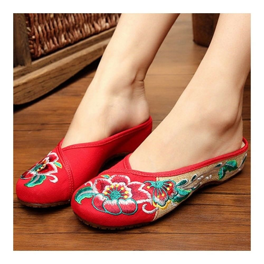 Hibiscus Mutabilis Old Beijing Cloth Embroidered Shoes    red