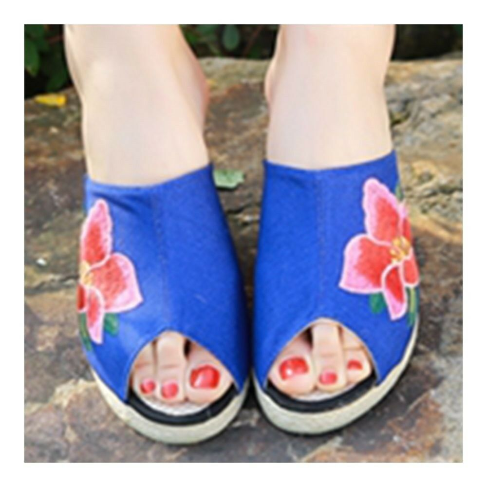 Old Beijing Cloth Embroidered Shoes Peep-toe   blue
