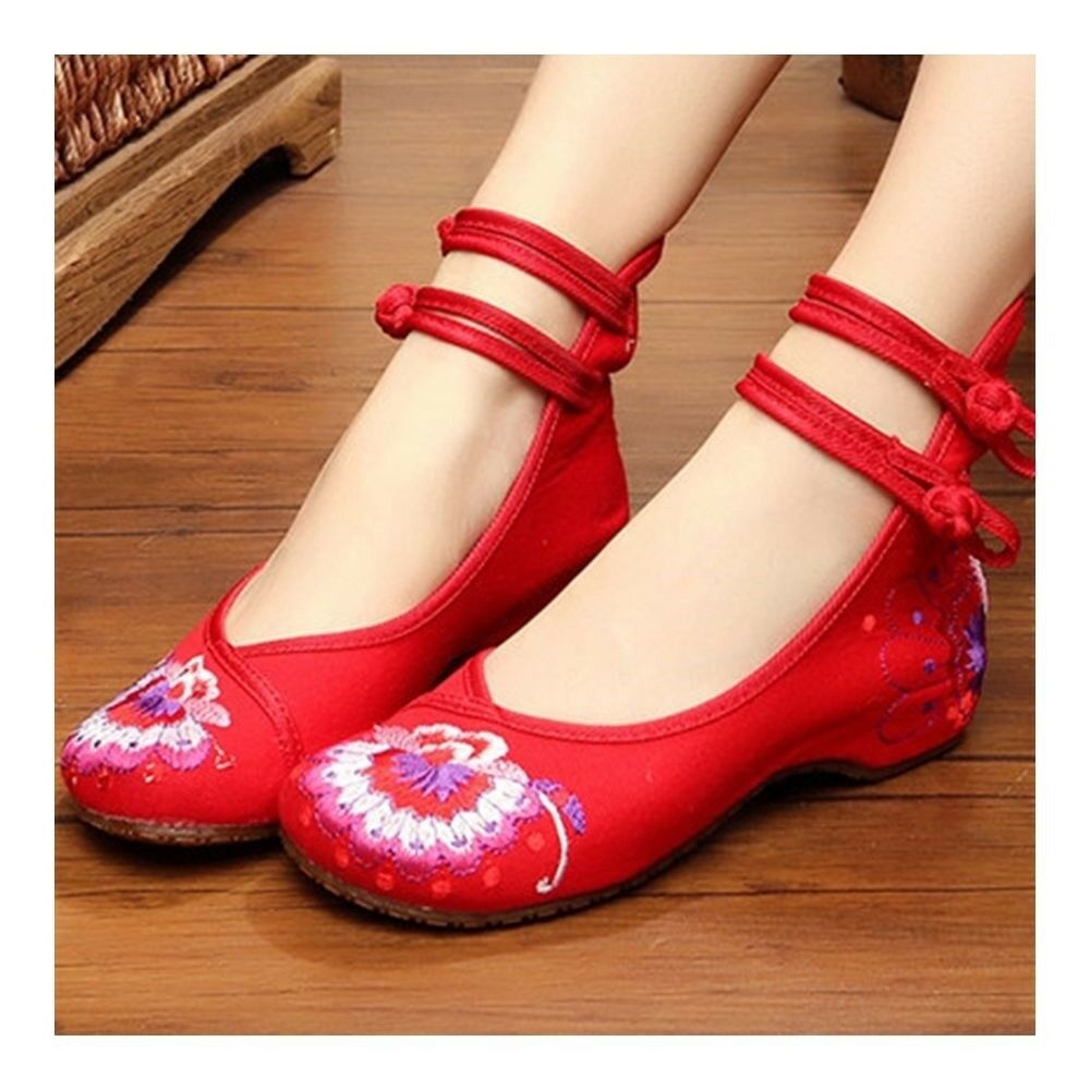 Old Beijing Cloth Embroidered Shoes Increased within   red