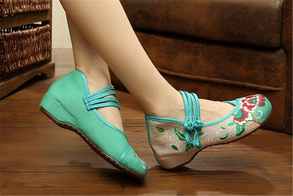 Vintage Chinese Embroidered Flat Ballet Ballerina Cotton Velvet Mary Jane Shoes for Women in Green Floral Design - Mega Save Wholesale & Retail - 3