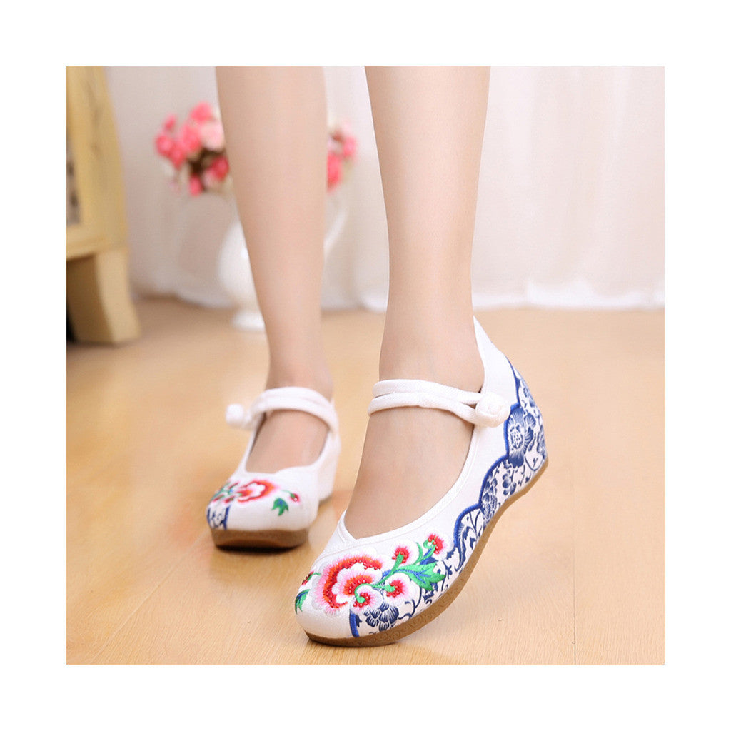 Old Beijing Cloth Vintage White Embroidered Woman Shoes Online in National Style with Beautiful Floral Designs - Mega Save Wholesale & Retail - 1