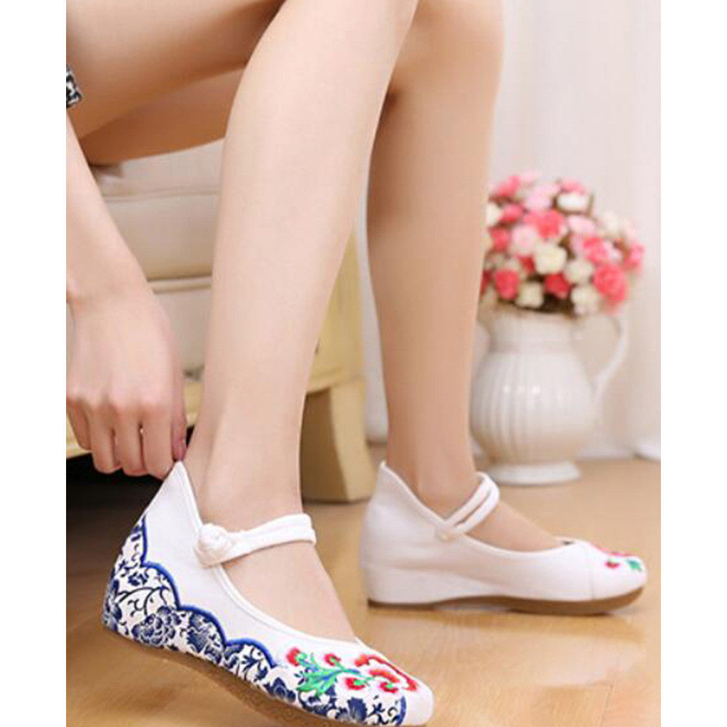 Old Beijing Cloth Vintage White Embroidered Woman Shoes Online in National Style with Beautiful Floral Designs - Mega Save Wholesale & Retail - 2