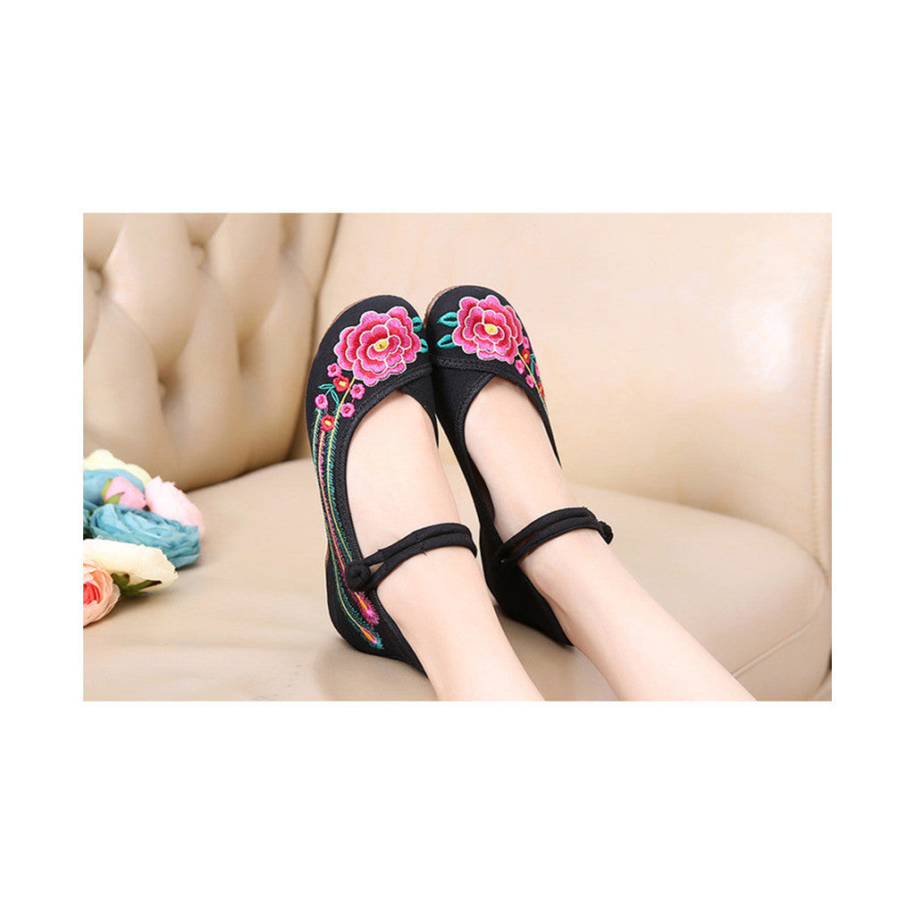 Old Beijing Black Summer Embroidered Shoes for Women in Square Dance National Style with Floral Designs & Ankle Straps - Mega Save Wholesale & Retail - 3
