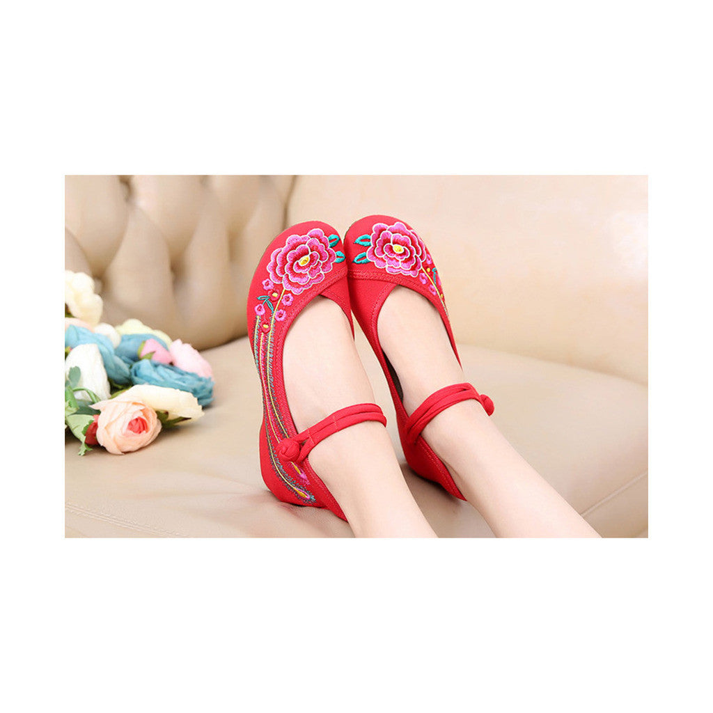 Old Beijing Embroidered Women Red Summer Shoes in Low Cut National Style with Beautiful Floral Designs & Ankle Straps - Mega Save Wholesale & Retail - 3