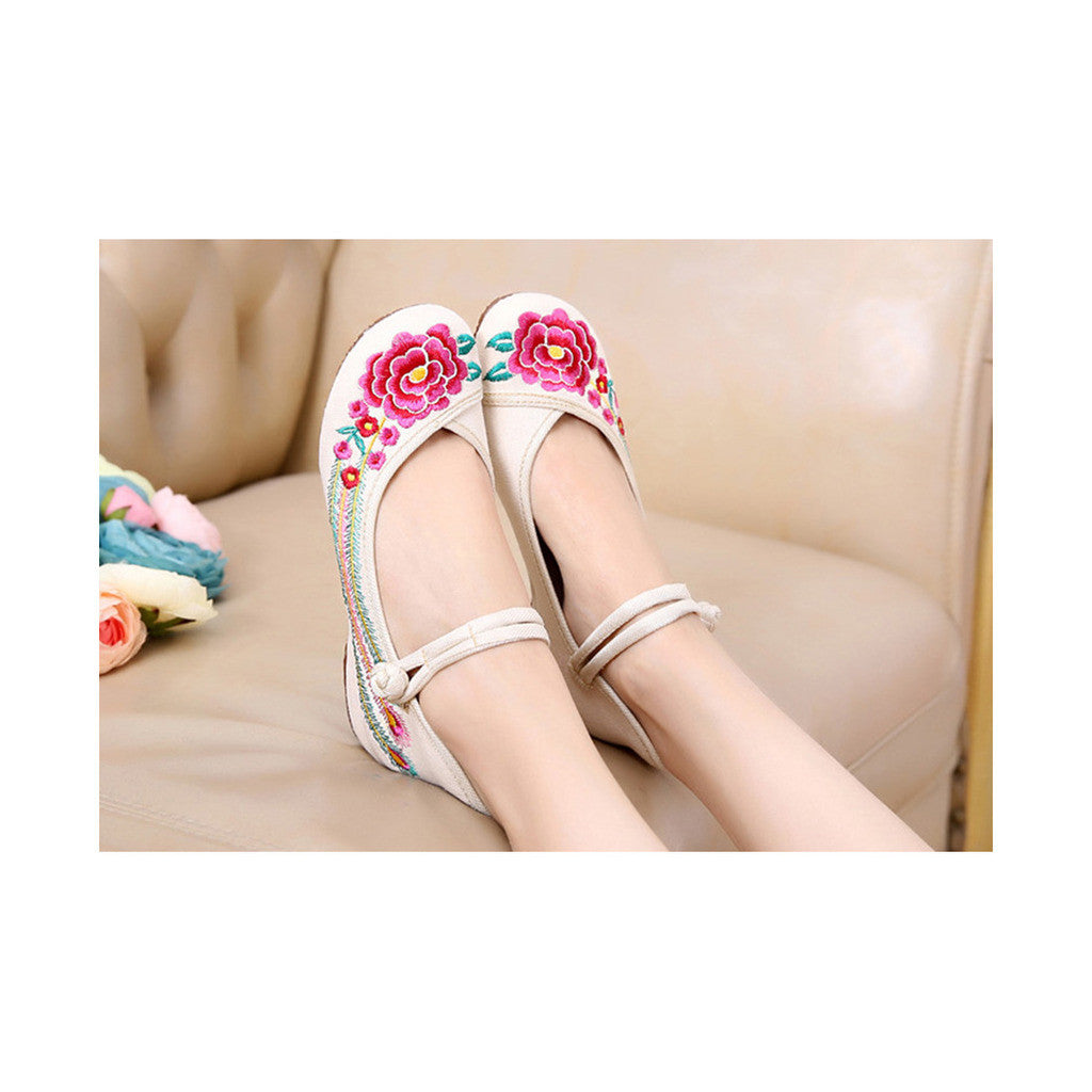 Old Beijing Cloth Shoes Summer National Style Embroidered Increased within Square Dance Shoes Mom Red Shoes Woman beige - Mega Save Wholesale & Retail - 1