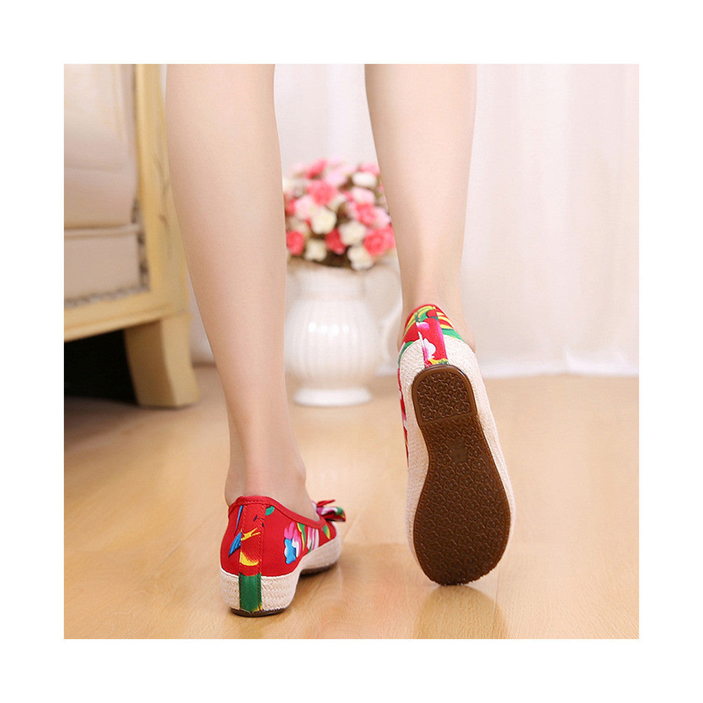 Old Beijing Red Chinese Embroidered Shoes for Women in Durable Cowhell Shoe Sole Fashion - Mega Save Wholesale & Retail - 2