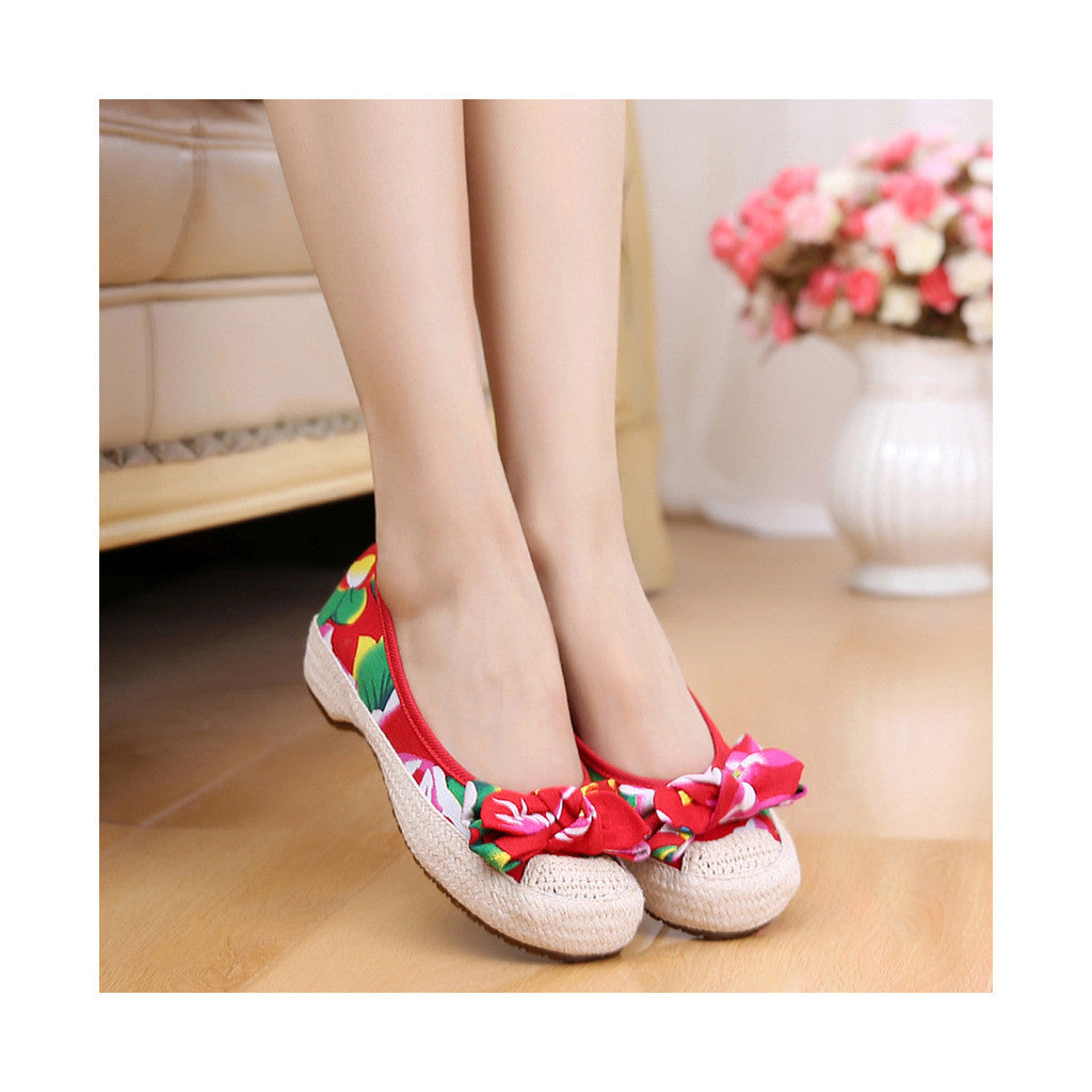 Old Beijing Red Chinese Embroidered Shoes for Women in Durable Cowhell Shoe Sole Fashion - Mega Save Wholesale & Retail - 3