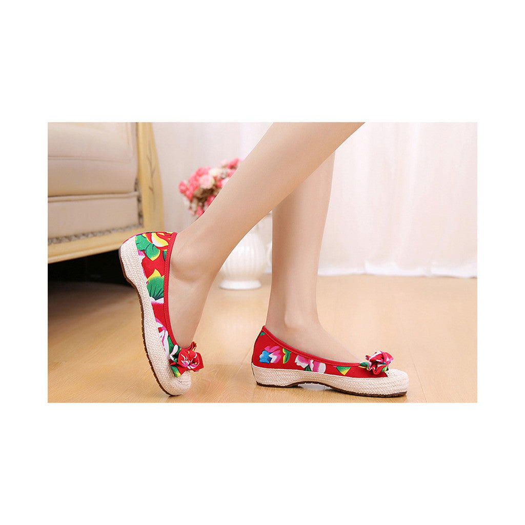 Old Beijing Red Chinese Embroidered Shoes for Women in Durable Cowhell Shoe Sole Fashion - Mega Save Wholesale & Retail - 4