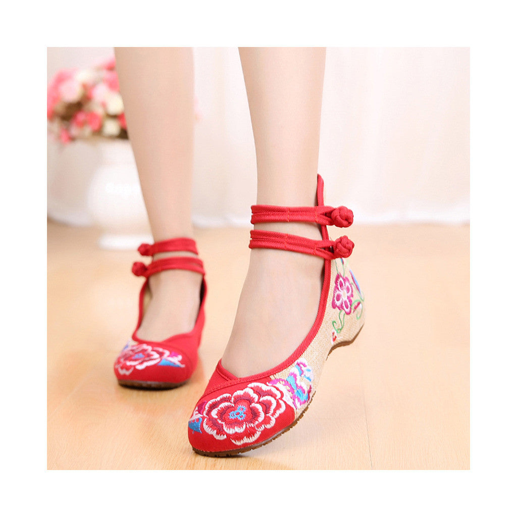 Old Beijing Low Cut National Style Red Shoes in Casual Vintage Embroidery Style & Durable Cowhell Sole - Mega Save Wholesale & Retail - 1