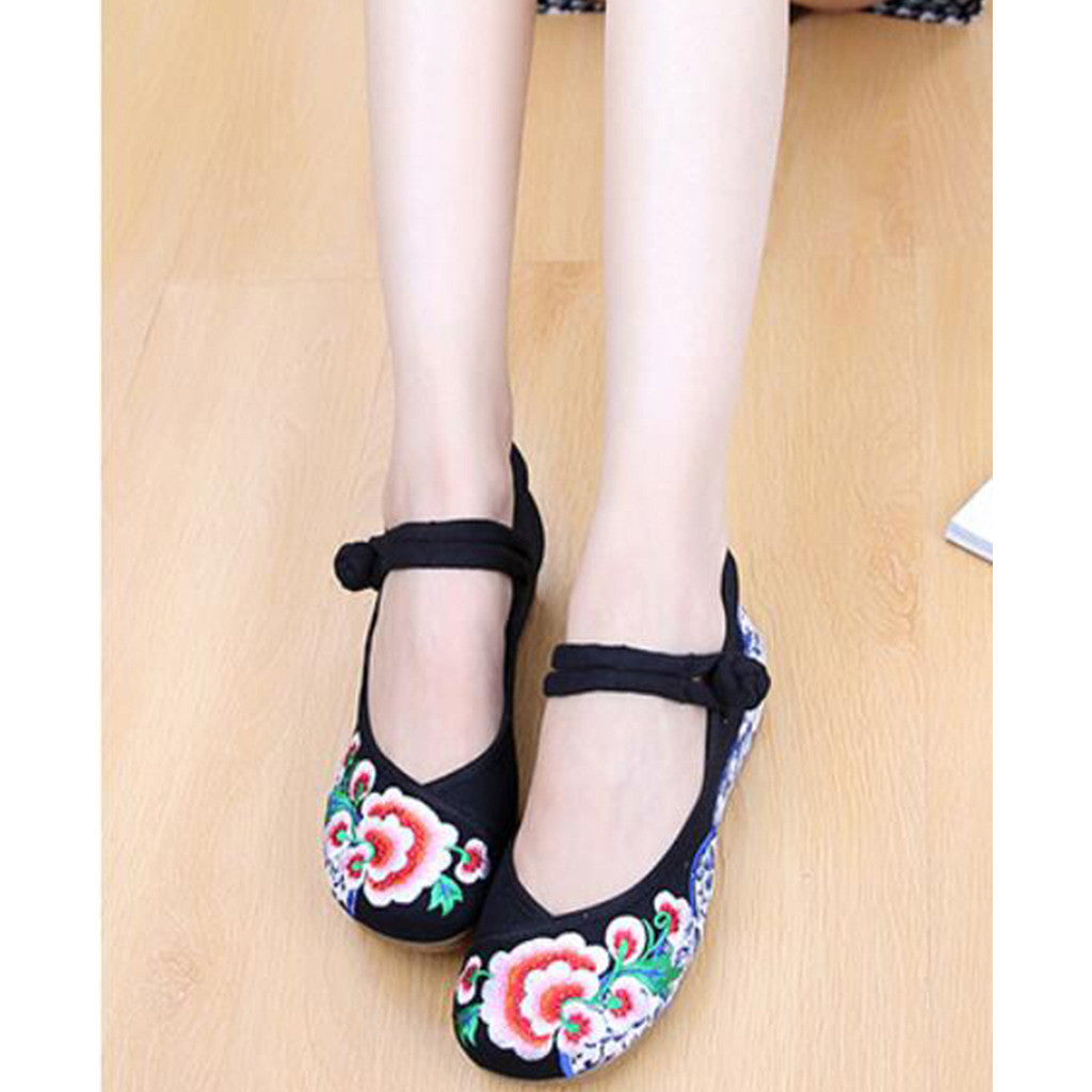 Old Beijing Embroidered Black Shoes for Women in Thick Sole National Style & Floral Design - Mega Save Wholesale & Retail - 2